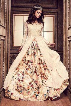 Look different in any occasion with our beautiful and dazzling range of lehenga choli. Buy latest lehenga choli designs for party, wedding, marriage reception or any upcoming events. Pakistani Party Wear, Party Wear Lehenga, Pakistani Dresses, Indian Dresses, Long Choli Lehenga, Silk Lehenga, Lehenga Suit, Lehenga Anarkali, Ghagra Choli