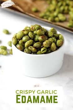 Recipes Snacks Salty Crispy Garlic Edamame -- recipe is the perfect high protein, healthy snack recipe. Plus, it's gluten free and vegan! After being roasted these olive oil baked edamame (not fried!) are crunchy and salty perfection. Healthy Vegan Snacks, Vegan Recipes, Healthy Eating, Cooking Recipes, Garlic Recipes, Snacks Recipes, Vegan Snacks On The Go, Best Vegan Snacks, Healthy Snaks