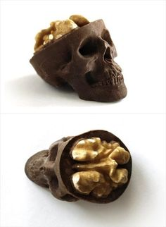 Funny pictures about Chocolate walnut skull. Oh, and cool pics about Chocolate walnut skull. Also, Chocolate walnut skull. Creepy Halloween Food, Halloween Treats, Halloween Foods, Halloween Party, Creepy Food, Scary, Happy Halloween, Spooky Treats, Zombie Party