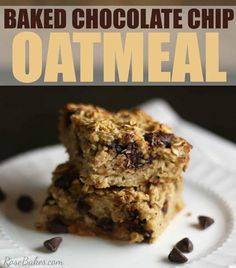 This Baked Chocolate Chip Oatmeal is healthy, wholesome, filling and delicious #bakedoatmeal