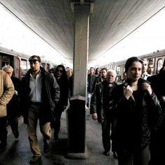 Offerte lavoro Genova  Quaranta volontari osserveranno i flussi dei passeggeri sui convogli Ma non tutti sono daccordo  #Liguria #Genova #operatori #animatori #rappresentanti #tecnico #informatico Liguria sui treni pendolari i viaggiatori controlleranno orari e fermate