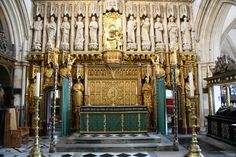 High Altar & Screen Lower Reredos and High Altar at Southwark Cathedral. Gliding, Altar furnishings & Glided panel behind Altar by Comper. Southwark Cathedral, Durham City, Roman Catholic, Architecture, Westerns, Cathedrals, Gravure, Lighthouses, Dressings