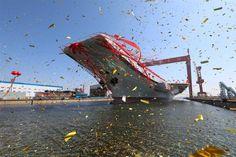 Forças Armadas - China exibe primeiro porta-aviões construído no país
