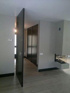 Voor onze opdrachtgever uit Eindhoven hebben we prachtige #binnendeuren en een #taatsdeur gemonteerd. www.frankvandenboomen.nl
