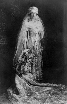 GRAND DUCHESS MARIA KIRILLOVNA OF RUSSIA - Great granddaughter of Victoria, Queen of England. Worn on the 25th November 1925 on the occasion of her marriage to Karl, 6th Prince of Leiningen.