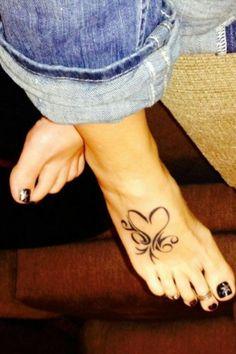 Herz Tattoo Ideen: 40 Vorlagen für Frauen und Männer - tattoo motive bein tattoo herzen tattoo ideen Estás en el lugar correcto para diy face mask Aquí p - Subtle Tattoos, Trendy Tattoos, Sexy Tattoos, Body Art Tattoos, Tattoos Skull, Tribal Foot Tattoos, Foot Tattoos For Women, Tattoos For Guys, Cute Foot Tattoos