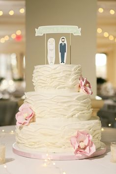 ruffled wedding cake, photo by Tiffany Hughes http://ruffledblog.com/1950s-inspired-auburn-wedding #weddingcake #cakes