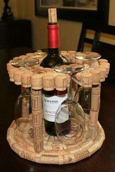 Wine cork projects, wine cork crafts, wine cork art, wine c Wine Craft, Wine Cork Crafts, Wine Bottle Crafts, Wine Corker, Wine Cork Projects, Wine Bottle Corks, Cork Art, Creation Deco, Wine Decor