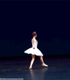 Do you see that tutu and how high she kicked en pointe?