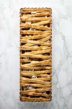apple mummy pie the perfect treat for Halloween parties or monster themed birthday parties.