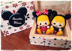 mickey and minnie beads with box
