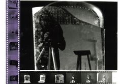 Fotografía analógica. Negativos, tira de prueba y fotografía analógica final realizados en el laboratorio.