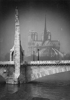 Pont de la Tournelle and Notre Dame Paris 1920