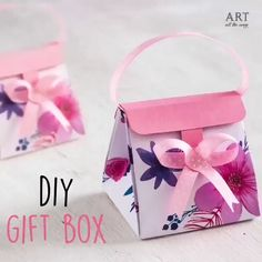 A DIY gift bag is an excellent way to add even more thought to a present. This DIY gift bag is a way to add dimensi. Diy Gift Bags Paper, Origami Gift Bag, Diy Gift Box, Paper Crafts Origami, Craft Bags, Diy Box, Paper Gifts, Gift Boxes, Art All The Way