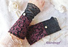 Auffällige und elegante Stulpen aus elastischem Stoff.  +Crazy purple+ wirken am Arm getragen sehr feminin und edel, und verleihen ihrer Trägerin...