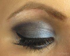 Blaues AMU Auge zu