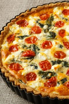 Recipe: Quiche with Goat Cheese Quiches, Evening Meals, Food Items, Goat Cheese, Crockpot Recipes, Veggies, Food And Drink, Vegetarian, Gluten