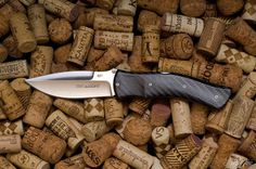 Viper Start Carbon knife with Böhler N690 stainless steel blade