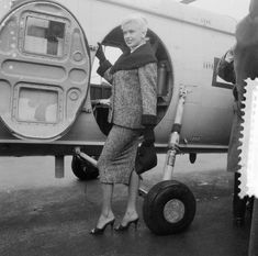 Jayne Mansfield, Rotterdam, Come Fly With Me, World Best Photos, Classic Films, Hollywood Actresses, Chihuahua, Baby Strollers, Beautiful Women
