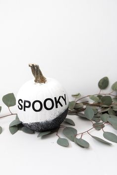 10 DIY Halloween Projects : DIY Modern Painted Pumpkins