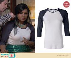 Mindy's white and navy baseball tee on The Mindy Project.  Outfit Details: http://wornontv.net/32021/ #TheMindyProject