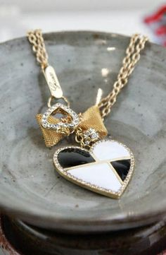 GUESS Color Block Heart/Bow Necklace #accessories  #jewelry  #necklaces  https://www.heeyy.com/suggests/guess-color-block-heartbow-necklace-black-white-gold/