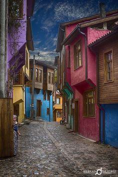 Ottoman House by Serkan Demirci on Edincik, Bandirma - Balikesir , TURKEY. Turkish Architecture, Beautiful Architecture, Orient House, Turkish Art, All Nature, Travel Tours, Travel Around The World, Beautiful Landscapes, Old Houses