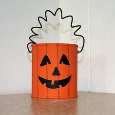 Easy Crafts from Tin Cans: Tin Can Pumpkin Candy Holder Popsicle Stick Crafts For Kids, Craft Stick Crafts, Kids Crafts, Craft Projects, Craft Ideas, Recycling Projects, Fall Projects, Easter Crafts, Project Ideas