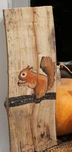 eekhoorntje op hout geschilderd en dan vernist leuk als herfst decoratie