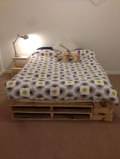 #DIY Easy-to-Build Pallet Bed | Pallet Furniture DIY