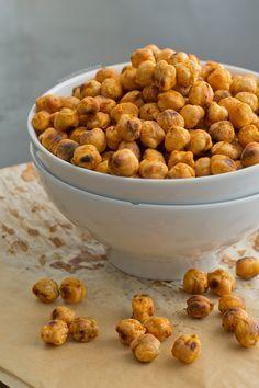 Snack de garbanzos saludables, ligeros y muy fáciles de preparar. Es un aperitivo ideal si estáis a dieta y si no también, ¡están riquísimos!