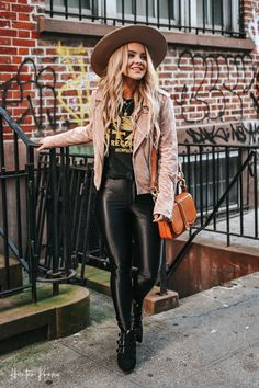 New York City Outfits to wear - Fall Trip To NYC Source by hunterpremo outfits Edgy Fall Outfits, Fall Winter Outfits, Autumn Winter Fashion, Casual Outfits, Boho Fashion Fall, New York Outfits, City Outfits, Fashion Outfits, Travel Outfits
