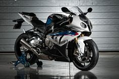 Bmw S Rr Photos and Wallpapers BikersNews Bmw Motorcycles, Custom Motorcycles, Bmw Sport, Bmw S1000rr, New Bmw, Motorcycle Bike, Bike Bmw, Super Bikes, Bmw Cars