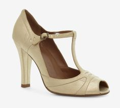 ecc89b28428 Marc Jacobs Gold Pump Love these!