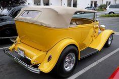 Belos Automóveis Antigos by Daniel Alho / 1932 Ford 2-dr Deluxe Phaeton street rod