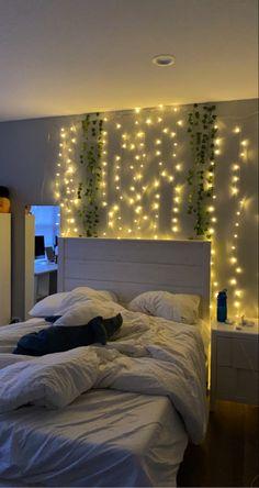 Cute Bedroom Decor, Bedroom Decor For Teen Girls, Room Design Bedroom, Teen Room Decor, Room Ideas Bedroom, Dream Teen Bedrooms, Pinterest Room Decor, Indie Room, Aesthetic Bedroom