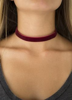 What goes around, comes around. The 1990's are back in full force with this on-trend velvet choker in a gorgeous berry color! We like, totally see Cher & Di rocking this luxe adornment with their knee