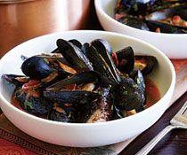Steamed Mussels with Marinara & Spicy Soppressata