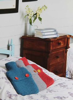 Getting Stitched on the Farm: Jane Brockets Gentle Art of Knitting--hot water bottle covers (it's time I admit I have an unhealthy interest in hot water bottle covers)