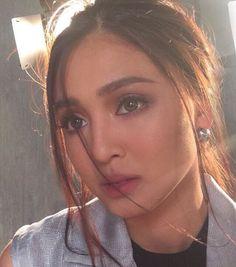 Nadine Lustre Filipina Actress, Filipina Beauty, Lady Luster, Liza Soberano, Nadine Lustre, Flawless Makeup, Best Actress, Eyebrows, Make Up