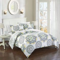 Chic Home 7-Piece Aragona Super soft microfiber Large Printed Medallion Reversible with Geometric Printed Backing King Bed In a Bag Duvet Set Grey With sheet set, Gray