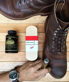 Time to treatment.. #obenaoufsoil #redwingbrush #horsehairbrush #omega007 #ammostrap #cigar #doshermanos