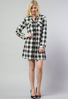 Black and white plaid dress with pockets and front embroidered detail. This dress is PERFECT! Visit: www.indigobleufashion.com #bohemian #boho #hippie #indiogbleufashion