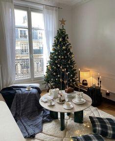 Christmas Feeling, Cozy Christmas, Christmas Time, Christmas Wreaths, Simple Christmas, Christmas Crafts, Natural Christmas, Beautiful Christmas, Christmas Decorations For The Home
