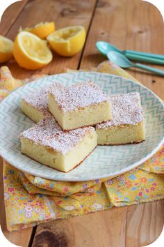 Moelleux with lemon - Easy And Healthy Recipes Cupcake Recipes, Cupcake Cakes, Dessert Recipes, Cupcakes, Mini Desserts, Just Desserts, Cooking Time, Cooking Recipes, Healthy Deserts