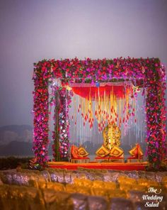 Don't go crazy looking at mandap designs all over the place. Stop, take a look at our Top 5 Mandap Design Ideas & get your Pitcure Perfect Wedding right! Desi Wedding Decor, Wedding Mandap, Outdoor Wedding Decorations, Floral Wedding, Wedding Colors, Wedding Venues, Segundo Round, Outdoor Indian Wedding, Indian Weddings