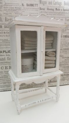 A cabinet in scale 1:12 for the dollhouse by Miniatyrmama on Etsy