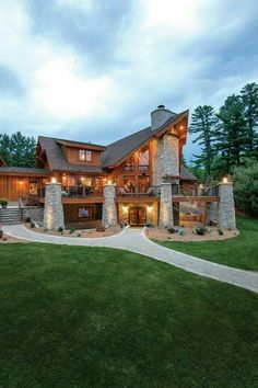 25 in our Year's Best Log Homes contest. Chalet Modern, Log Cabin Homes, Log Cabins, Timber House, House Goals, My Dream Home, Dream Homes, Dream Life, Exterior Design