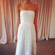 Love this #OscardelaRenta creation for a summer wedding #bridalmarket @OscarPRGirl #instagram