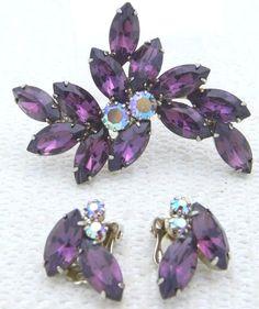 VTG Gold Tone Purple Rhinestone Flower Leaf Brooch Pin Earrings Set Juliana?